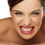 Паразити в горле: симптоми глистов у человека, лечение и что делать